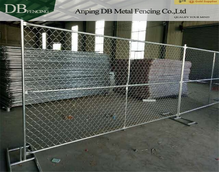 Hot dinpped galvanized chain link fence panels for sale