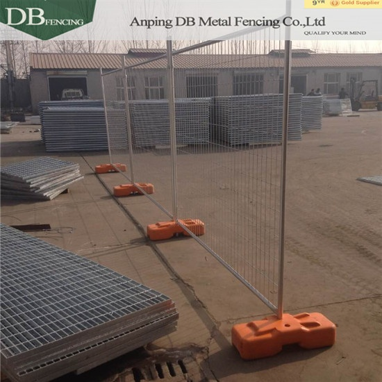 Hot dipped Galvanised Temporary Fencing Panels 42 microns wall thick 2.00mm 3.0 mm 60m infilled mesh 4.0 x 60 x 150mm