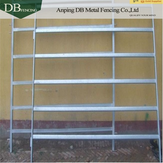 Heavy Duty Cattle Yard Panels 6 Oval Rails