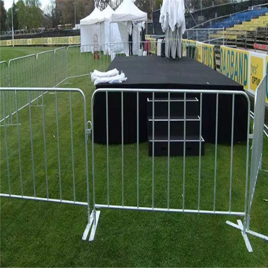 Flexible structure crowd control barrier | dbfencestore com