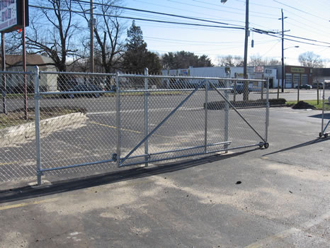 sliding gate of temporary chain link fence